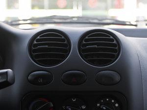 2012款改款 1.0L 手动P-TEC优越版 空调出风口