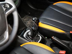 2016款1.2L 手动豪华型 变速挡杆