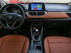 2017款1.5L 手动豪华型 中控台