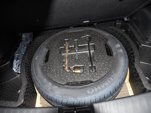 2017款1.5L 手动豪华型 备胎