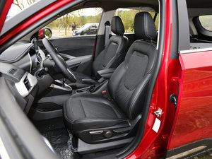 2017款1.5L 手动时尚型 前排座椅