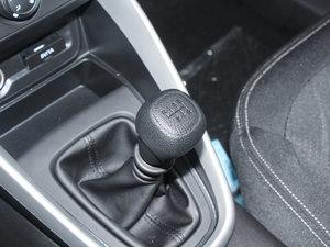 2017款1.5L 手动舒适型 变速挡杆