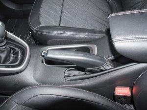 2017款1.5L 手动时尚型 驻车制动器