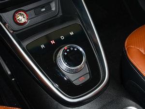 2017款1.5L 自动豪华型 变速挡杆