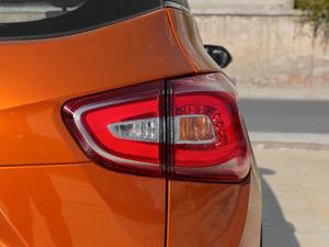 2017款1.5L 自动时尚型 尾灯