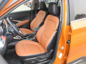 2017款1.5L 自动豪华型 前排座椅