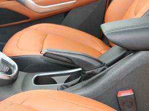 2017款1.5L 自动豪华型 驻车制动器