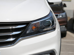 2017款1.5L 手动舒适型 头灯