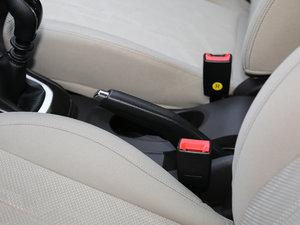 2017款1.5L 手动舒适型 驻车制动器