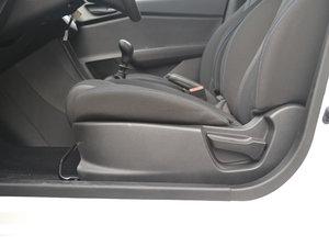 2017款1.2L 手动超值型 座椅调节