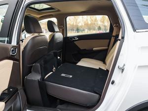 2017款1.5L 手动豪华型 后排座椅放倒