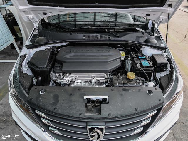 1.5L自然吸气发动机最大功率82kW(112Ps),最大扭矩147Nm。对于宝骏310这样小型车来说,动力输出已然足够。