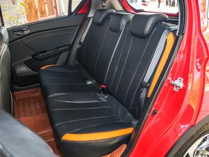 2017款1.5L 自动豪华型 后排座椅