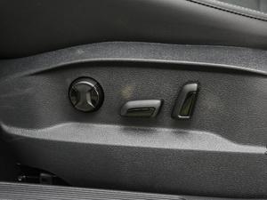 2018款2周年纪念版 230TSI 自动豪华型 座椅调节