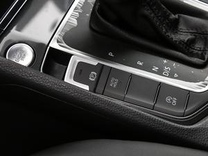 2018款2周年纪念版 230TSI 自动豪华型 驻车制动器