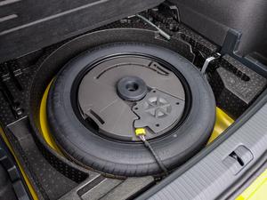 2019款380TSI 四驱尊贵型 国V 备胎