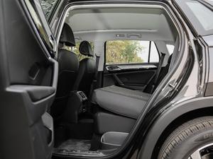 2019款330TSI 两驱豪华型 国V 后排座椅放倒