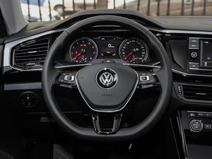 2019款330TSI 两驱豪华型 国V 方向盘