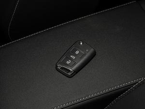 2019款330TSI 两驱尊贵型 国VI 钥匙