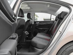 2019款1.5L 自动舒适型 后排空间