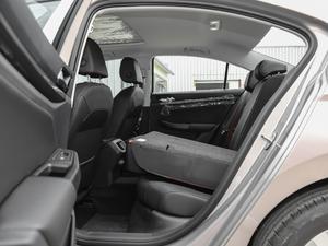 2019款1.5L 自动舒适型 后排座椅放倒