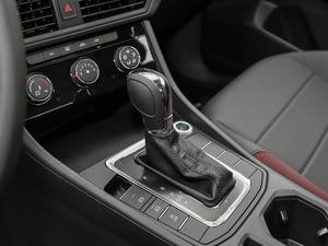 2019款1.5L 自动舒适型 变速挡杆
