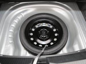 2019款280TSI DSG豪华型 备胎
