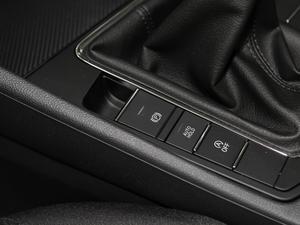 2019款1.5L 手动时尚型 驻车制动器