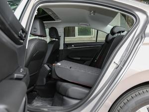 2019款1.5L 自动精英型 后排座椅放倒