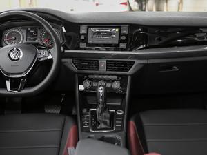 2019款1.5L 自动精英型 中控台
