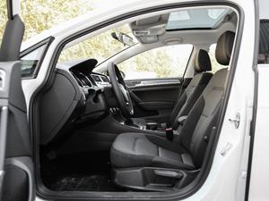 2019款1.6L 自动舒适型 前排空间