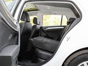 2019款1.6L 自动舒适型 后排座椅放倒
