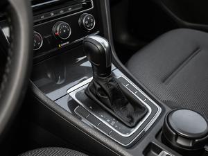 2019款1.6L 自动舒适型 变速挡杆