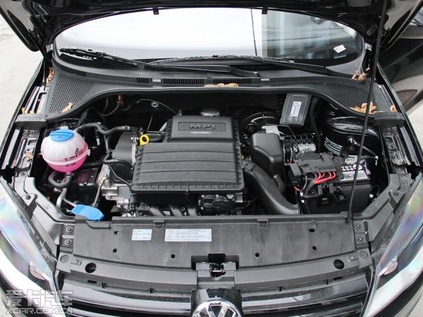 6l发动机可供选择,根据不同配置,全系共划分了8款车型.