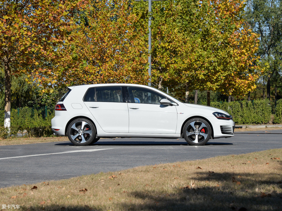 一汽-大众2016款高尔夫GTI