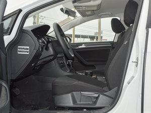 2016款1.6L 自动时尚型 前排空间
