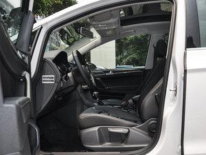 2016款280TSI 自动豪华型 前排空间
