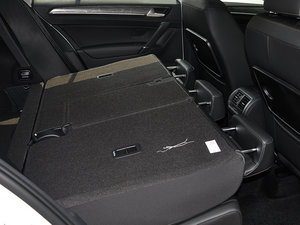 2016款280TSI 自动豪华型 后排座椅放倒
