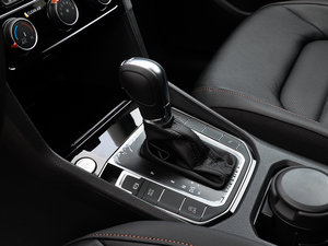 2016款280TSI 自动豪华型 变速挡杆