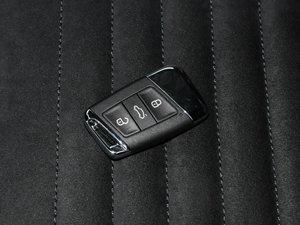 2017款330TSI DSG 豪华型 钥匙