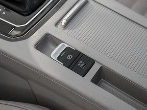 2017款380TSI DSG 豪华型 驻车制动器