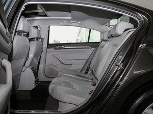 2017款380TSI DSG 豪华型 后排空间