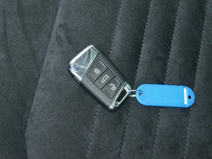 2017款380TSI DSG 尊贵型 钥匙