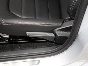 2017款1.5L 自动豪华型 座椅调节