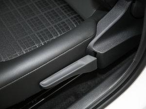 2017款1.5L 自动舒适型 座椅调节
