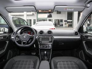 2017款1.5L 自动舒适型 全景内饰