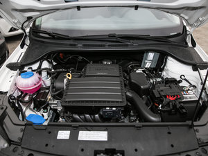 2017款1.5L 自动舒适型 发动机