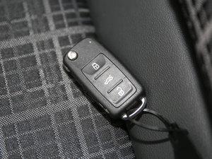 2017款1.5L 自动舒适型 钥匙