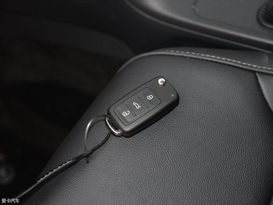 2017款速腾230TSI DSG舒适型