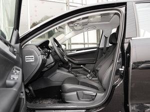 2017款230TSI 手动舒适型 前排空间